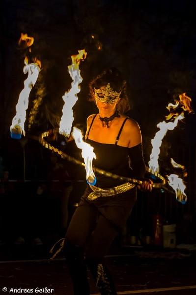 Event-Agentur für Feuershows, Feuertanz und Stelzen- Walkacts, Kinderschminken